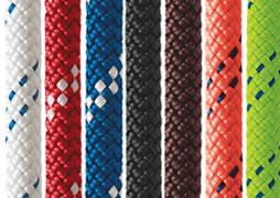 Stukken touw in verschillende kleuren